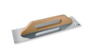 Trintuvė tinkavimui nerūdijančio plieno 130*480 mm 8*8 mm medine ranke5608/06670