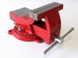Spaustuvas plieninis besisukantis ypač tvirtas 150 mm 1151.60 Savex